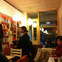 Photo prise au Babèlia Books & Coffee par Irene C. le11/10/2012