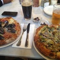 Das Foto wurde bei Pizzeria Paradiso von Michelle K. am 4/22/2013 aufgenommen