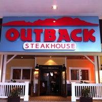 Снимок сделан в Outback Steakhouse пользователем Isis T. 11/25/2012