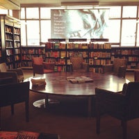 Photo prise au Waterstones par Kuan H. le3/18/2013