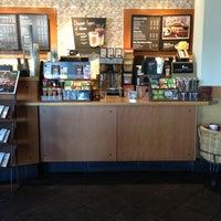 Снимок сделан в Starbucks пользователем Justin 3/12/2013