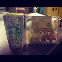 Снимок сделан в Starbucks пользователем Justin 11/29/2012