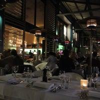 Foto diambil di Manta Restaurant oleh Munenori F. pada 8/7/2013