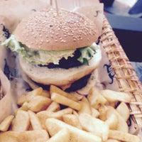 5/30/2015 tarihinde Tamer G.ziyaretçi tarafından Daily Dana Burger & Steak'de çekilen fotoğraf