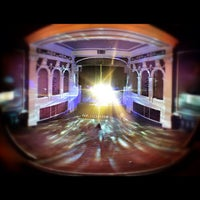 Foto tirada no(a) The Jefferson Theater por CvilleJefferson em 11/17/2012