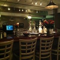 2/17/2013에 Tom L.님이 J & J Seafood Bar에서 찍은 사진