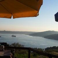 Das Foto wurde bei Güzel Yer Balık Lokantası von 💛GS❤️ Neş-E am 4/26/2013 aufgenommen