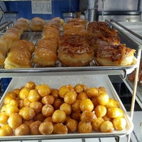 SK Donuts & Croissants - Park La Brea - 82 tips from 2169