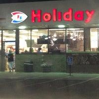 Foto tomada en Holiday Station Store por Nicole H. el 8/10/2013