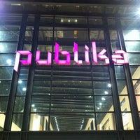 รูปภาพถ่ายที่ Publika โดย Alex l. เมื่อ 12/23/2012