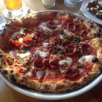 Снимок сделан в Tutta Bella Neapolitan Pizzeria пользователем Matt J. 7/8/2013