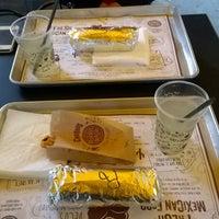 Das Foto wurde bei Burrito Madre von Marko J. am 9/24/2015 aufgenommen