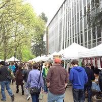 Photo prise au Portland Farmer's Market at PSU par AdrienneRose G. le4/20/2013