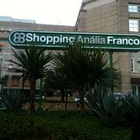 รูปภาพถ่ายที่ Shopping Anália Franco โดย Adiana R. เมื่อ 12/18/2012