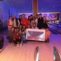 2/10/2013 tarihinde Doğancan🔰ziyaretçi tarafından Shey Bowling & Cafe'de çekilen fotoğraf