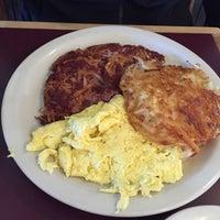 Das Foto wurde bei Hank's Creekside Restaurant von Vicki T. am 10/11/2014 aufgenommen