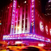 Das Foto wurde bei Radio City Music Hall von Gabby V. am 3/10/2013 aufgenommen