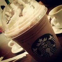 Das Foto wurde bei Starbucks von Natalia L. am 5/31/2013 aufgenommen