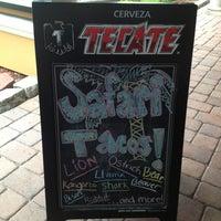 Foto tirada no(a) Taco Fusion por Jenn R. em 6/8/2013