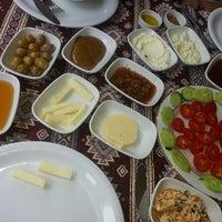 6/9/2013 tarihinde 👑ziyaretçi tarafından Dalakderesi Restaurant'de çekilen fotoğraf