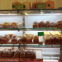 Снимок сделан в Ueno Bakery & Enzyme 上野酵素麵包生活館 пользователем Scott H. 1/30/2014