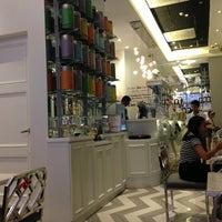12/19/2012 tarihinde noemi d.ziyaretçi tarafından Da.u.de Tea Lounge'de çekilen fotoğraf