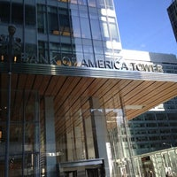 Foto tirada no(a) Bank of America Tower por Koutilya R. em 11/26/2012