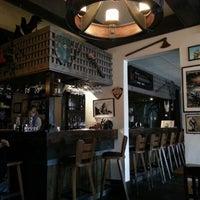 12/18/2012 tarihinde Dennis C.ziyaretçi tarafından Storm Crow Tavern'de çekilen fotoğraf