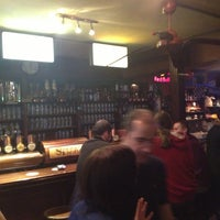 Das Foto wurde bei Shamrock Irish Pub von beatrice w. am 6/11/2013 aufgenommen