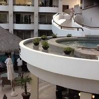 Photo prise au Cabo Villas Beach Resort & Spa par Myeisha M. le2/11/2013