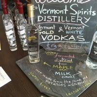 รูปภาพถ่ายที่ Vermont Spirits Distillery โดย Foodie P. เมื่อ 3/9/2013