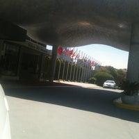 Foto diambil di Hilton Istanbul Convention & Exhibition Center oleh Fatih S. pada 4/23/2013