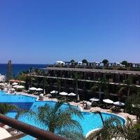 รูปภาพถ่ายที่ Cratos Premium Hotel & Casino โดย Buse G. เมื่อ 7/28/2013