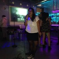 Foto tirada no(a) Chorus Karaoke & Lounge por marilyn s. em 3/12/2015