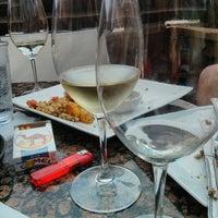 Foto tirada no(a) Plonk! Beer & Wine Bistro por mark m. em 7/21/2013
