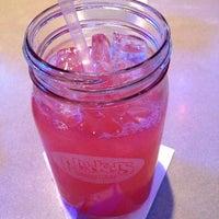Foto diambil di Pluckers Wing Bar oleh Kevin V. pada 1/9/2013
