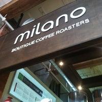 7/19/2013 tarihinde Adrianna B.ziyaretçi tarafından Milano Coffee'de çekilen fotoğraf