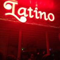 5/4/2013にİdil VesekがLatino Barで撮った写真