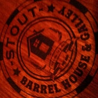 Photo prise au Stout Barrel House and Galley par Nick B. le11/10/2012