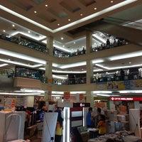 Foto diambil di Mega Mall oleh Tedi B. pada 7/2/2013