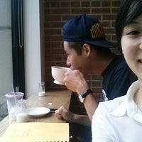 Foto tirada no(a) The Café Grind por Trâm Anh L. em 7/25/2013