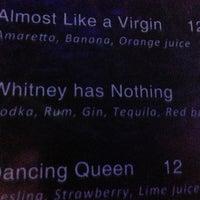 Foto tomada en Chorus Karaoke & Lounge por Robyn B. el 7/5/2013