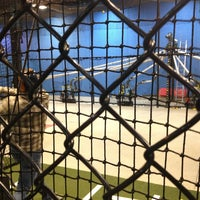 รูปภาพถ่ายที่ Grand Slam Sports & Entertainment โดย Chris S. เมื่อ 2/10/2013