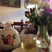 Das Foto wurde bei Café KRONE von Lisa M. am 12/7/2012 aufgenommen