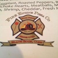 Das Foto wurde bei Fire Engine Pizza Company von Bob A. am 4/27/2013 aufgenommen