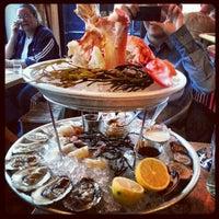 รูปภาพถ่ายที่ Jeffrey's Grocery โดย Qi H. เมื่อ 11/24/2012