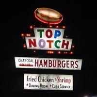10/19/2013 tarihinde Ben O.ziyaretçi tarafından Top Notch'de çekilen fotoğraf