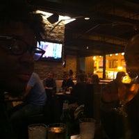 Photo prise au Sweetwater Tavern & Grille par Deanna M. le5/4/2013