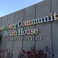 Foto scattata a Annenberg Community Beach House da David G. il 5/27/2013