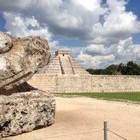 Foto tomada en Zona Arqueológica de Chichén Itzá por David C. el 6/28/2013